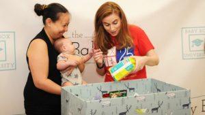В США молодым родителям выдают коробки для сна младенцев